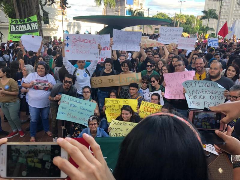 Manifestação corte da educação