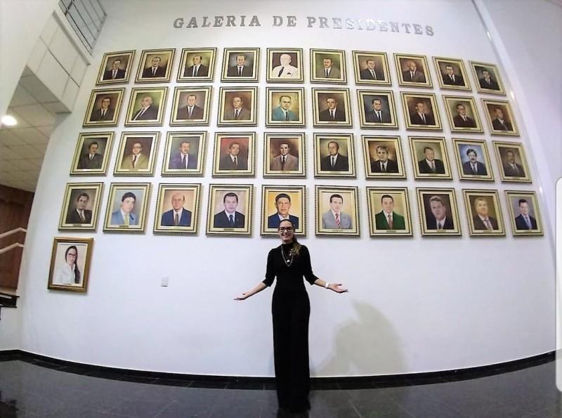 Janaína Riva galeria