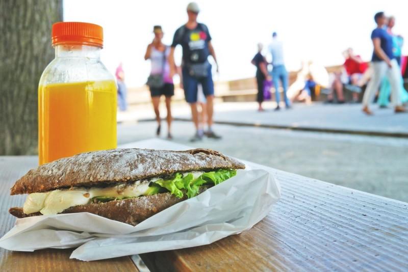 sandwich-833607-1920.jpg