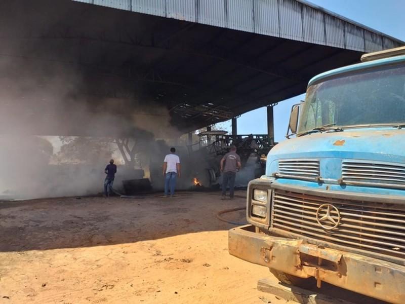 Incêndio caminhão